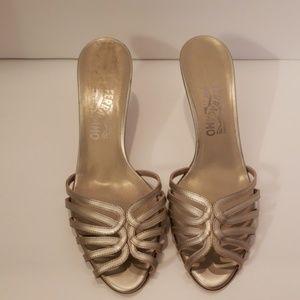Ferragamo silver metallic slip on sandals sz 10 B